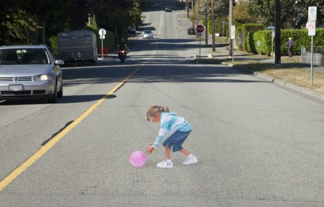 Αποτέλεσμα εικόνας για 3D illusion in street tries to change drivers' attitudes